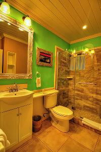 clean bathroom in Bahamas - Villa Allamanda Queen Studio B luxury apartment