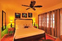 clean bedroom linens in Bahamas - Villa Allamanda King Suite A luxury apartment