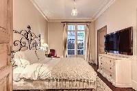 lovely bedroom in Passy - Vignes luxury apartment
