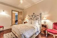 amazing bed in Passy - Vignes luxury apartment