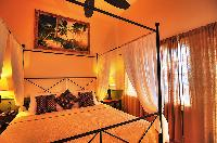 clean bed sheets in Bahamas - Villa Allamanda King Suite B luxury apartment