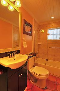 clean bathroom in Bahamas - Villa Allamanda King Suite B luxury apartment