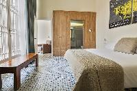fresh and clean bedroom linens in Barcelona Eixample - Pau Claris Luxury Terrace Apartment 2