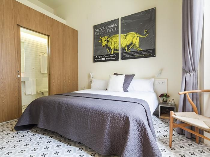 clean and fresh bedroom linens in Barcelona Eixample - Pau Claris Luxury Terrace Apartment 2