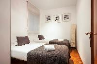 neat Downtown Barcelona - Ronda Universitat luxury apartment