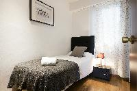 clean and fresh bedroom linens in Barcelona Eixample - Bruc luxury apartment