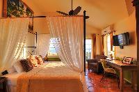 pretty Bahamas - Villa Allamanda Twin Suite luxury apartment, holiday home, vacation rental