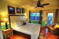 crisp bed sheets in Bahamas - Villa Allamanda Twin Suite luxury apartment
