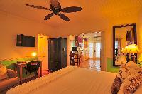 clean bed sheets in Bahamas - Villa Allamanda Twin Suite luxury apartment