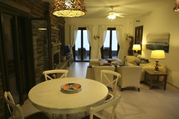 fully furnished Kea Kastellakia Bay Villa Aperon luxury holiday home, vacation rental