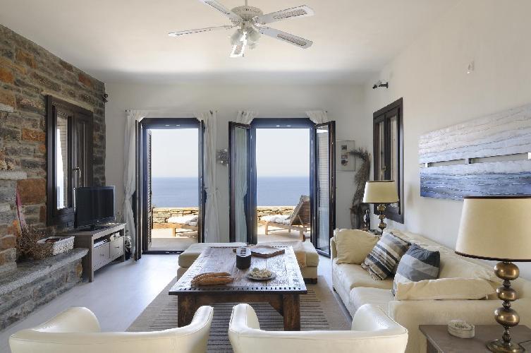 spacious Kea Kastellakia Bay Villa Aperon luxury holiday home, vacation rental