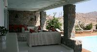 bright and breezy Villa Ivory Rock luxury holiday home and vacation rental