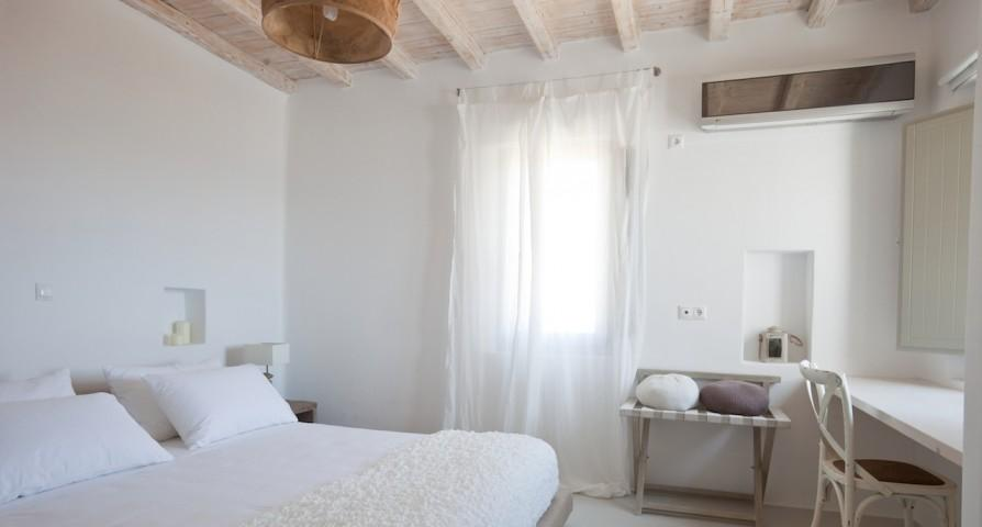 clean bed sheets in Villa Kalafatis View 2 luxury holiday home and vacation rental