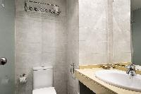 clean Barcelona Sarrià-Sant Gervasi - Laforja Apartment 3 luxury holiday home