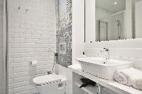 spic-and-span Barcelona Uma Suites - Sagrada Familia Apartment 1 luxury holiday home