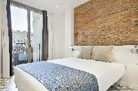 amazing Barcelona Uma Suites - Sagrada Familia Apartment 1 luxury holiday home and vacation rental