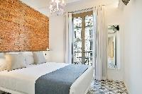 pristine bedroom linens in Barcelona - Sagrada Familia Suite 2 luxury apartment