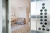 amazing Barcelona Uma Suites - Sagrada Familia 3 luxury apartment