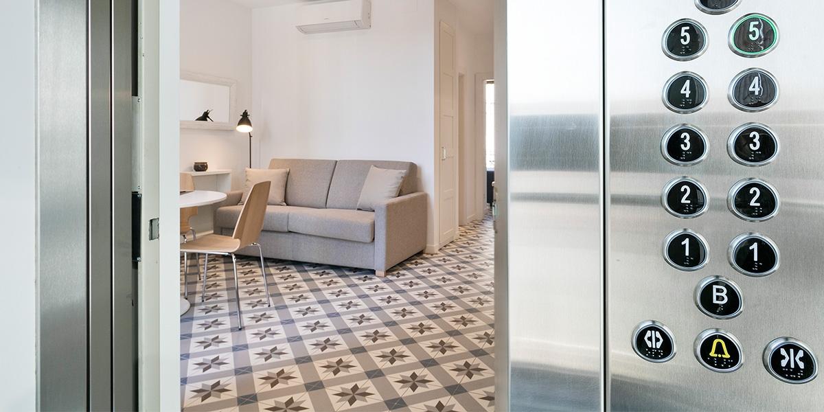 Barcelona Uma Suites - Sagrada Familia Suite 4
