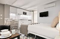 lovely Barcelona Uma Suites - Holy Family Tiny Studio 2 luxury apartment