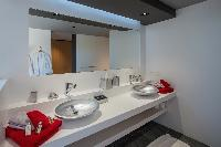 spic-and-span bathroom in Saint Barth Villa Amethyste luxury holiday home, vacation rental
