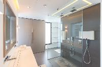 spic-and-span bathroom in Saint Barth Villa My Way luxury holiday home, vacation rental