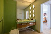 clean lavatory in Saint Barth Villa La Maison Sur Le Port luxury holiday home, vacation rental