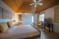 pristine bedding in Saint Barth Villa La Maison Sur Le Port luxury holiday home, vacation rental