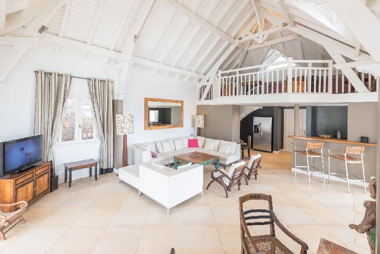 pleasant sitting area in Saint Barth Villa Lagon Jaune luxury holiday home, vacation rental