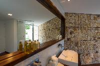 clean bathroom in Saint Barth Villa Wine Note luxury holiday home, vacation rental