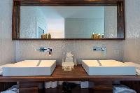 spic-and-span bathroom in Saint Barth Villa Wine Note luxury holiday home, vacation rental