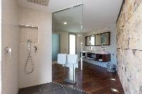 clean toilet and bath in Saint Barth Villa Wine Note luxury holiday home, vacation rental
