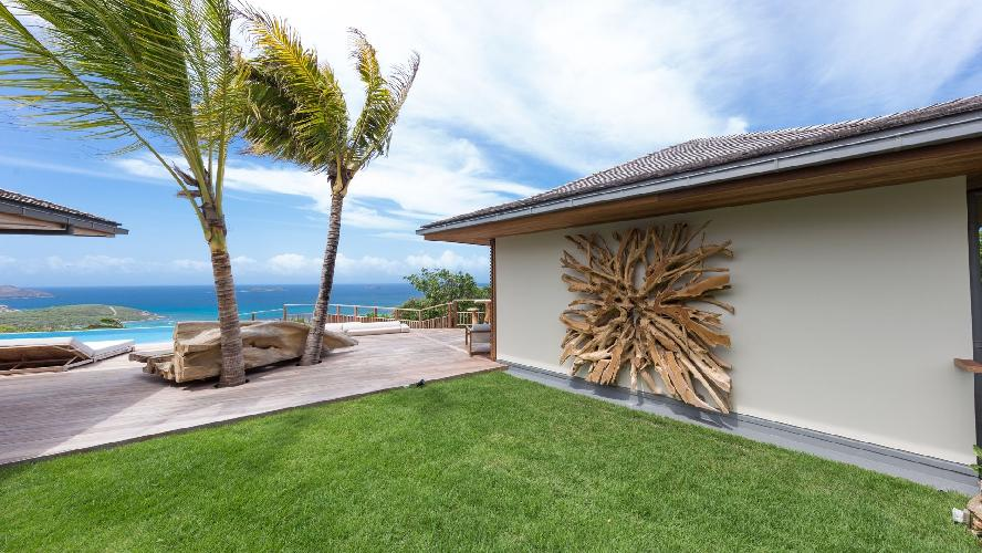 incredible garden of Saint Barth Villa Ixfalia luxury holiday home, vacation rental