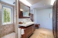 cool rain shower in Saint Barth Villa Rose Des Vents holiday home, luxury vacation rental
