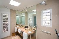 fresh and clean bathroom in Saint Barth Villa Rose Dog Estate holiday home, luxury vacation rental