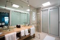 clean and fresh bathroom in Saint Barth Villa Rose Dog Estate holiday home, luxury vacation rental
