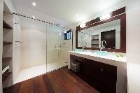 spic-and-span bathroom in Saint Barth Villa Mapou luxury holiday home, vacation rental