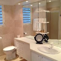 clean toilet and bath in Saint Barth Villa Milonga luxury holiday home, vacation rental