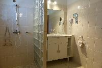 fresh bathroom in Saint Barth Villa Aquamarine luxury vacation rental