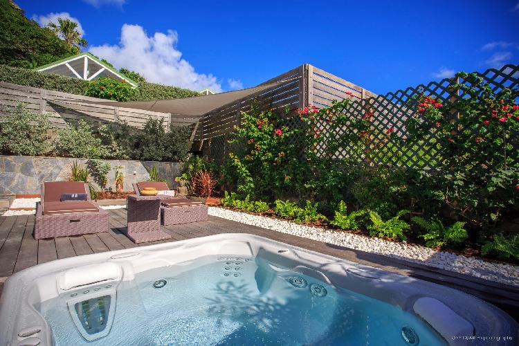 cool outdoor tub of Saint Barth Luxury Villa Eugenie holiday home, vacation rental
