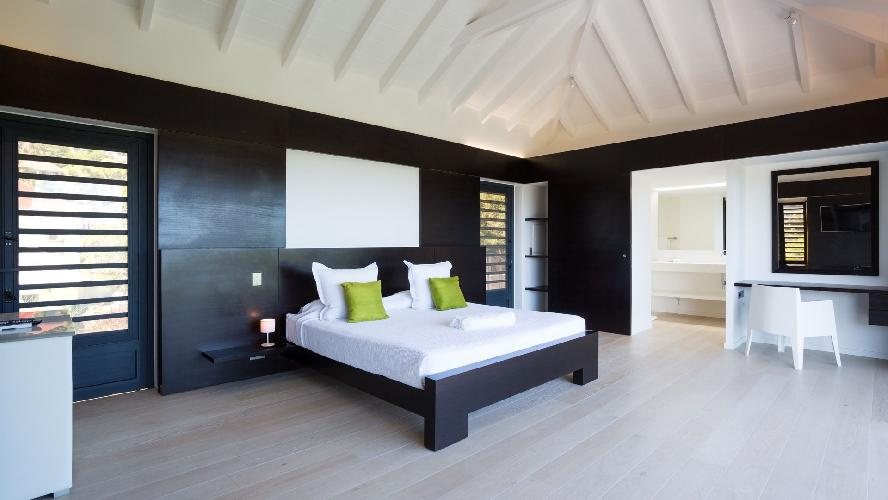 clean bedroom linens in Saint Barth Villa Casawapa luxury holiday home, vacation rental