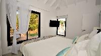 clean bed sheets in Saint Barth Villa Cosy Amancaya luxury holiday home, vacation rental