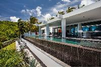 refreshing garden of Saint Barth Villa Nirvana holiday home, luxury vacation rental