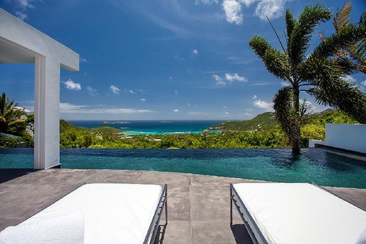 cool infinity pool of Saint Barth Villa Nirvana holiday home, luxury vacation rental