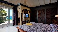 pristine bedding in Saint Barth Villa Panama holiday home, luxury vacation rental