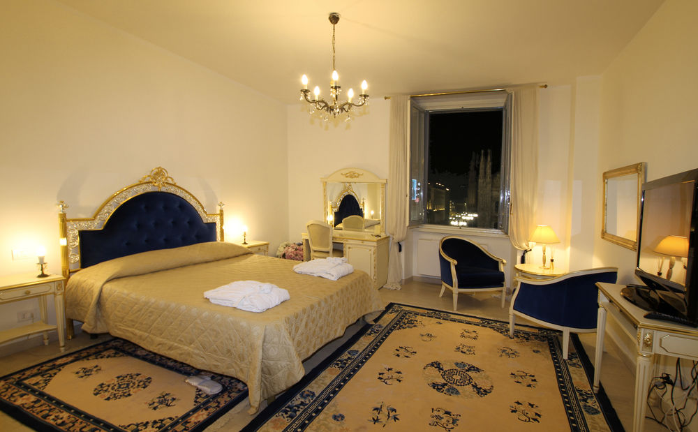 chic Milan - Duomo One Bedroom luxury apartment and holiday home
