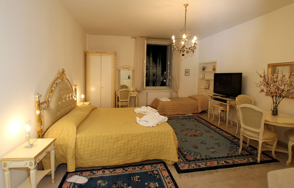 awesome Milan - Duomo Studio luxury apartment and holiday home