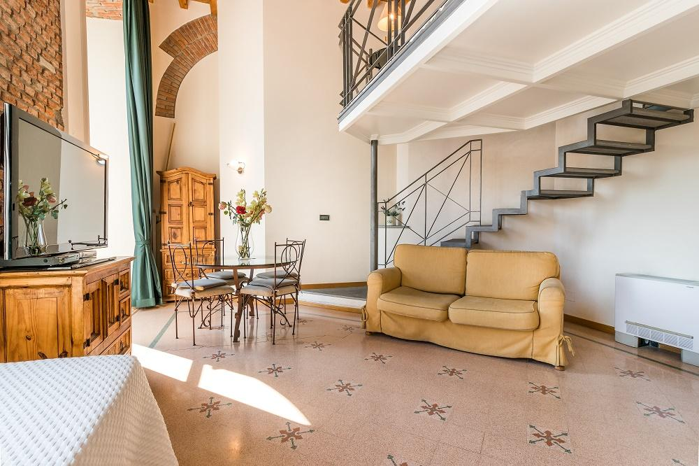 beautiful Milan - Duomo Split Level luxury apartment and holiday home