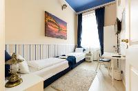 pristine bed sheets and pillows in Budapest Dream Grand Apartment DANUBE luxury holiday home