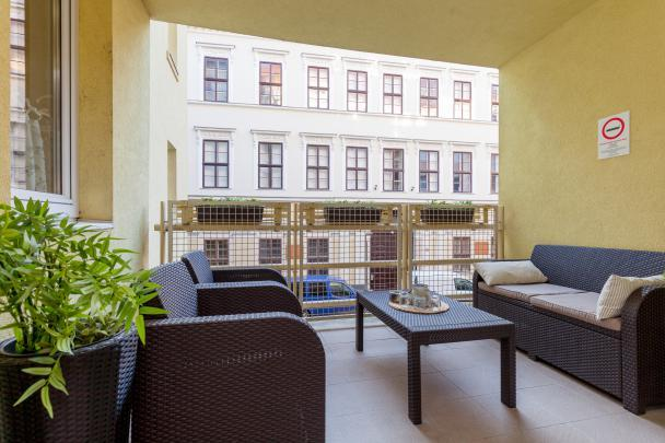 well-appointed Budapest Dream Family Apartment HOLLO1 luxury holiday home